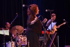 benefit-2012-onstage-067